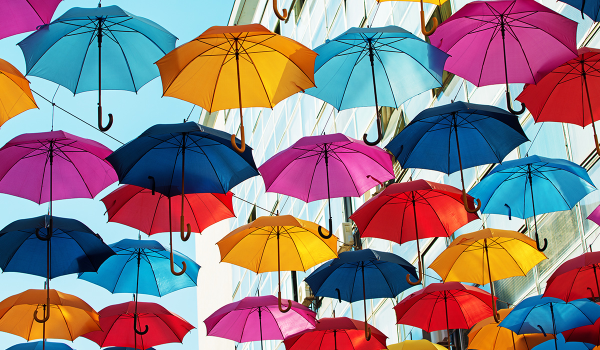 1200x700_many_colourful_umbrellas